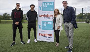 """MJ Quinn patrocina o Football for Change"""", instituição de apoio a jovens desfavorecidos"""